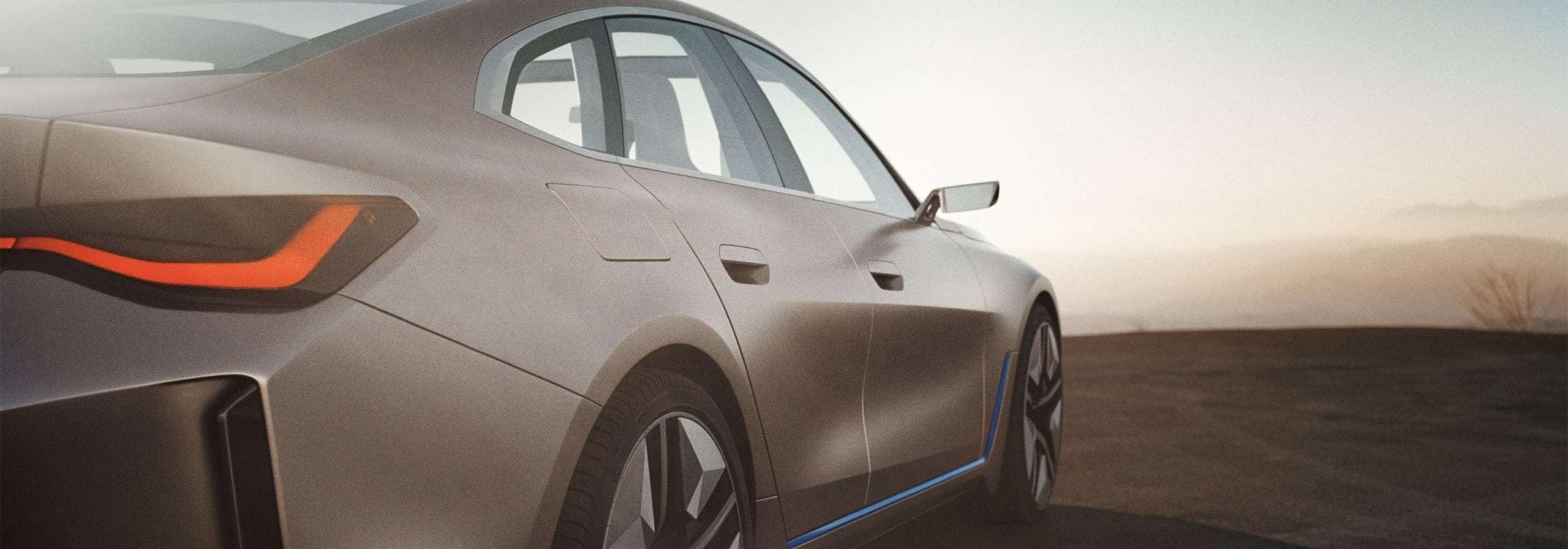Three-quarter rear view of the BMW i4